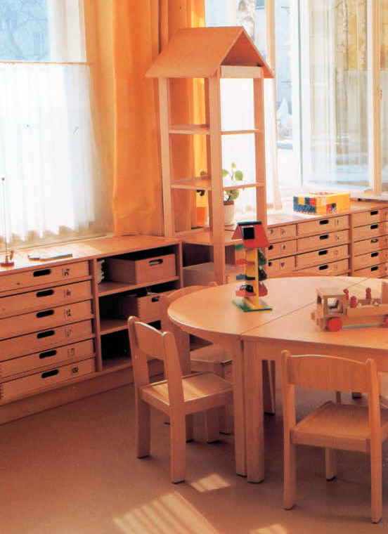 kindergartenm bel m bel f r kindergarten tische und st hle. Black Bedroom Furniture Sets. Home Design Ideas